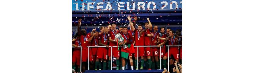 Португалия, потеряв Криштиану Роналду, впервые в истории выиграла чемпионат Европы